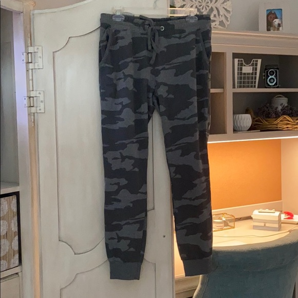 Cotton On camo joggers